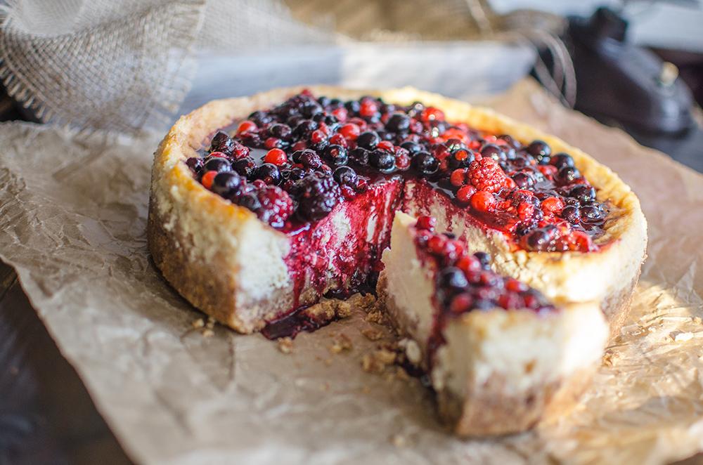 Cheesecake s lesným ovocím