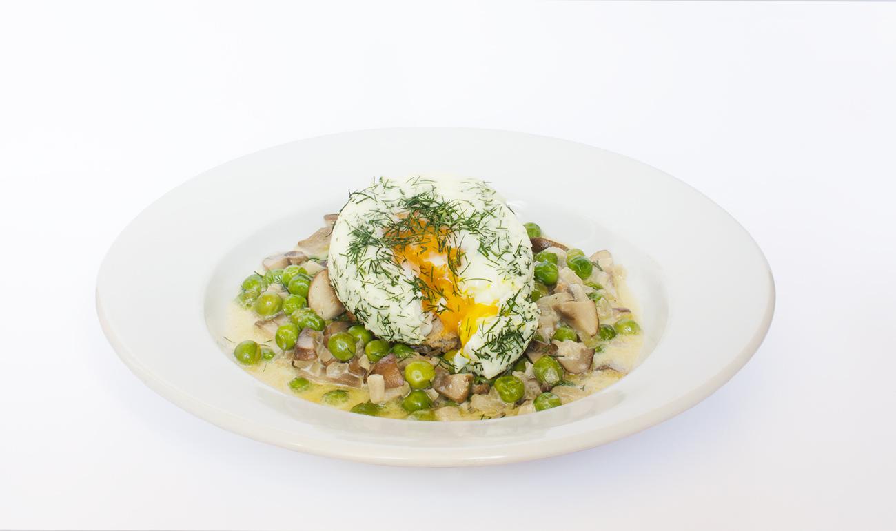 Kôprové vajíčko s hríbovou omáčkou | Recept
