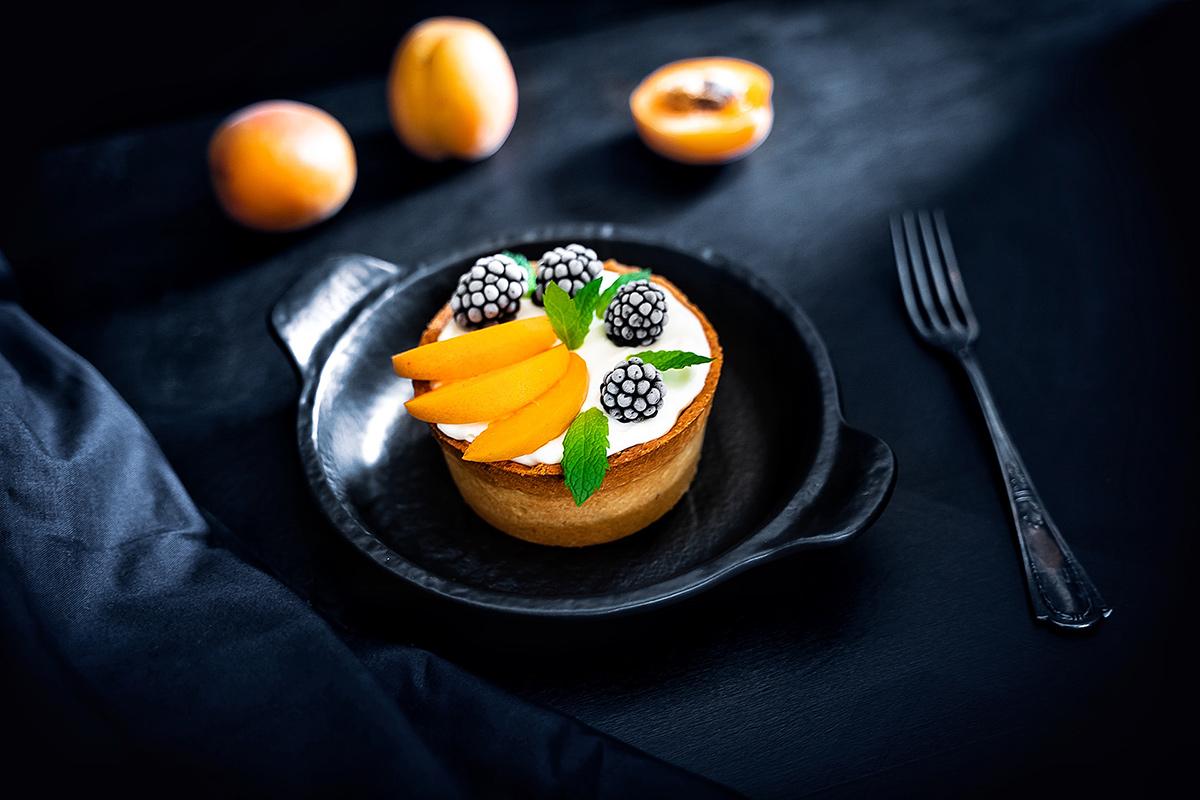 Tvarohové mini tortičky s marhuľami a černicami