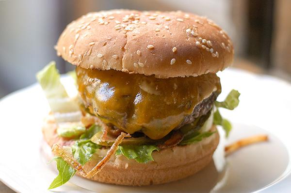 Hovädzí burger